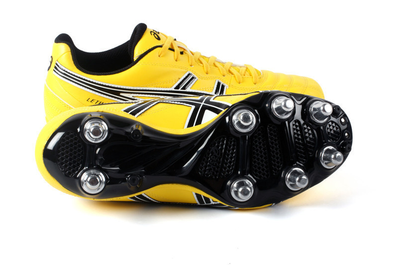 crampon rugby asics